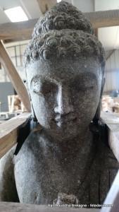 Bouddha prière pierre lave H100cm