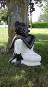 Bouddha penseur tunique blanche H60cm