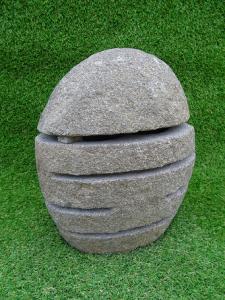 Lampe jardin pierre ronde découpé
