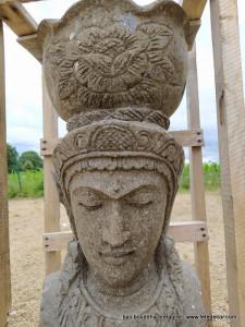 Pot de fleur bouddha sculpture sur roche 60cm