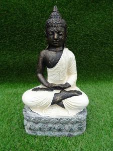 Bouddha blanc assis en lotus