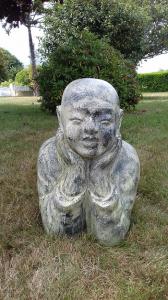 Jeune moine shaolin allongé L80cm