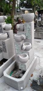 Fontaine eau cascade 5 bols avec galets verts