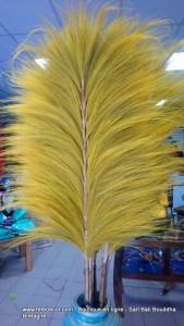 Plume en abaca jaune