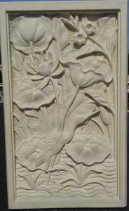 sculpture relief oiseau cadre pierre