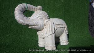 Petit éléphant blanc décoration jardin