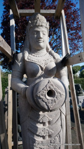 Statue Dewi fontaine eau
