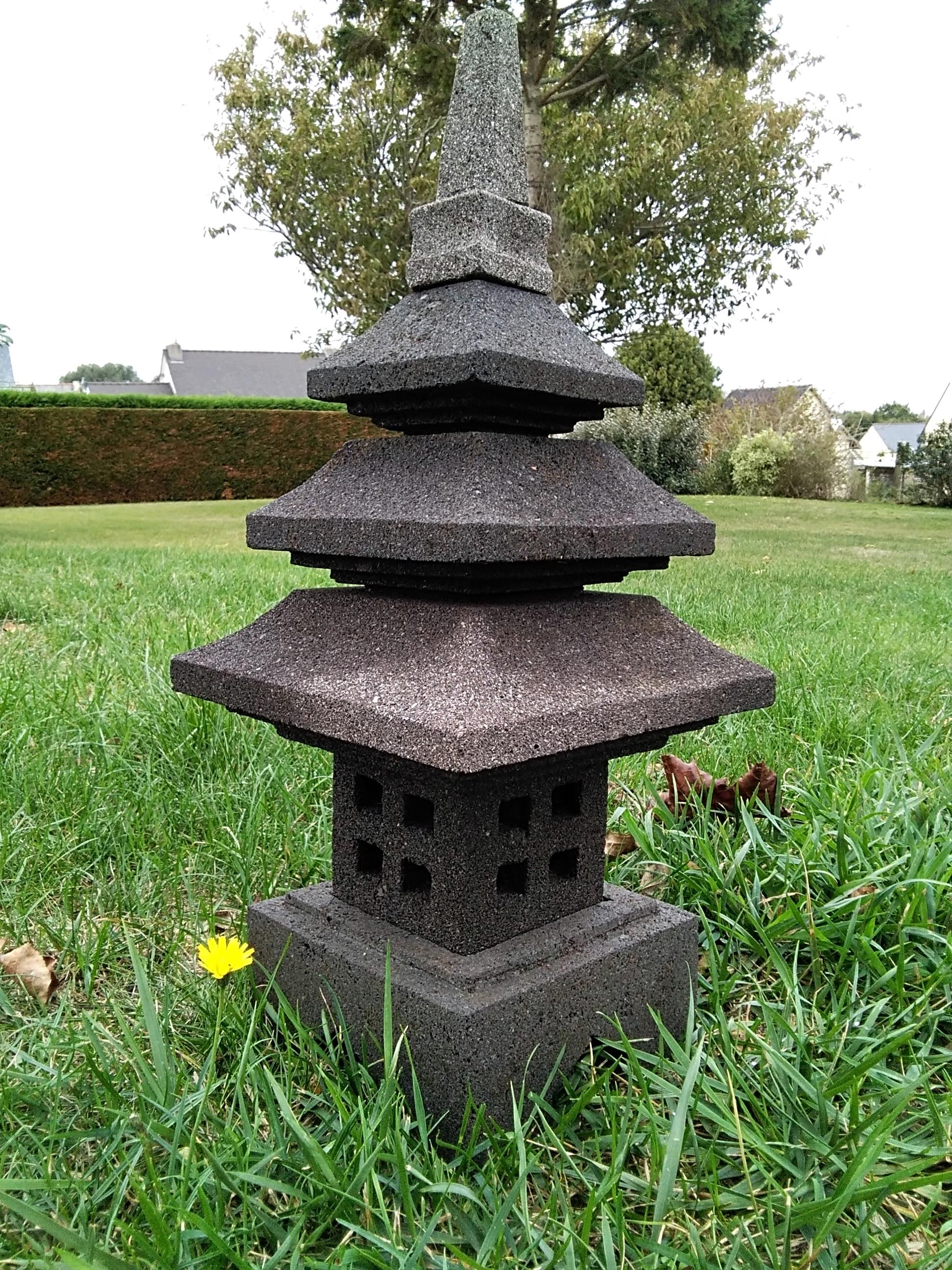 Lanterne jardin asiatique vente grand choix de statues - Lanterne zen jardin ...
